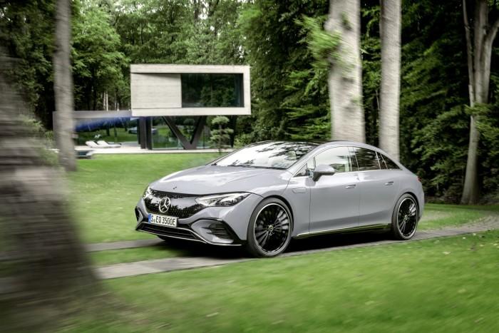2022-Mercedes-Benz-EQE-75
