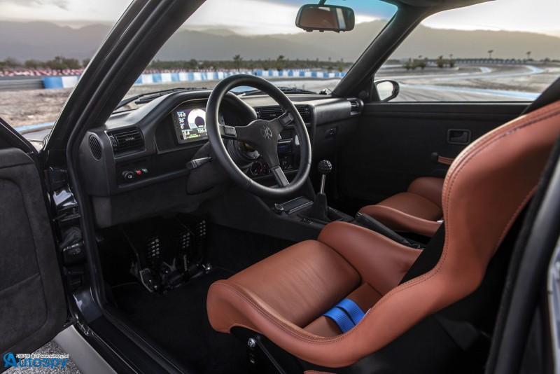 구형인데 이렇게 멋져도 되나? BMW E30 M3